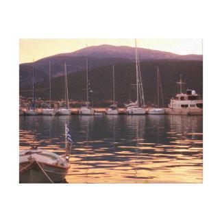 Puesta del sol sobre los barcos de Sami (Kefalonia Lona Envuelta Para Galerías