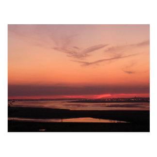Puesta del sol sobre Merseyside Tarjeta Postal
