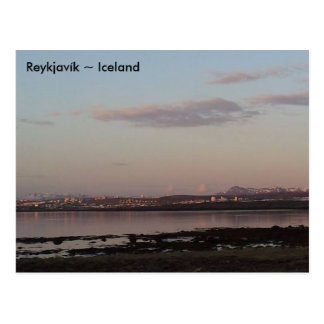 Puesta del sol sobre Reykjavík, Islandia Tarjetas Postales