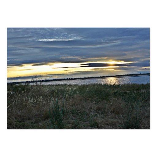 Puesta del sol sobre tarjetas de visita de Ricefie