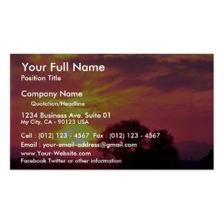 Puesta del sol sobre tierras de labrantío gran su tarjetas personales