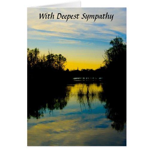 Puesta del sol sobre una tarjeta de condolencia de