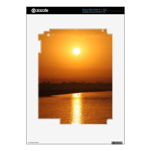 Puesta del sol soleada de la tarde calcomanía para iPad 2