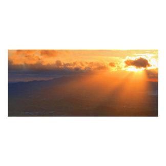 Puesta del sol diseño de tarjeta publicitaria