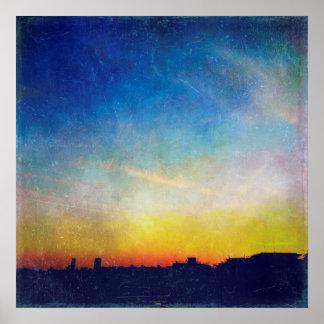 Puesta del sol texturizada vintage de la silueta póster
