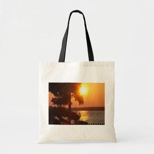 Puesta del sol (tomada de la playa Ny de Sylvan) Bolsa Tela Barata