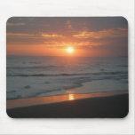 Puesta del sol tropical de Bali Alfombrilla De Ratones