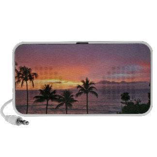 Puesta del sol tropical de Hawaii en la playa PC Altavoces
