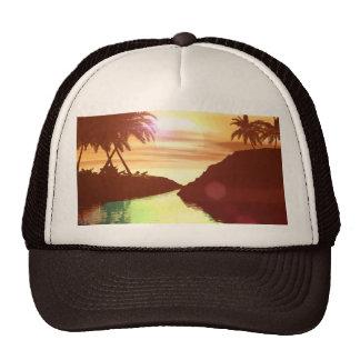 Puesta del sol tropical, hermosa en el lago gorra