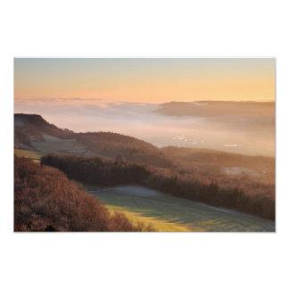 Puesta del sol y niebla baja - cicatriz del explor arte fotografico