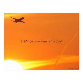 Puesta del sol y postal del aeroplano