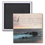 Puesta del sol y Psalms-9: 1-2 en la playa de Hawa Iman
