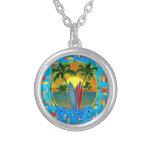 Puesta del sol y tablas hawaianas pendiente personalizado