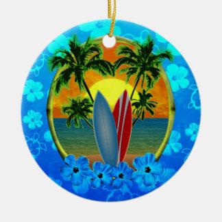 Puesta del sol y tablas hawaianas adornos de navidad