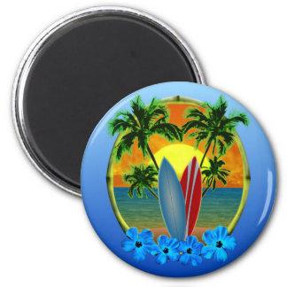 Puesta del sol y tablas hawaianas imán redondo 5 cm