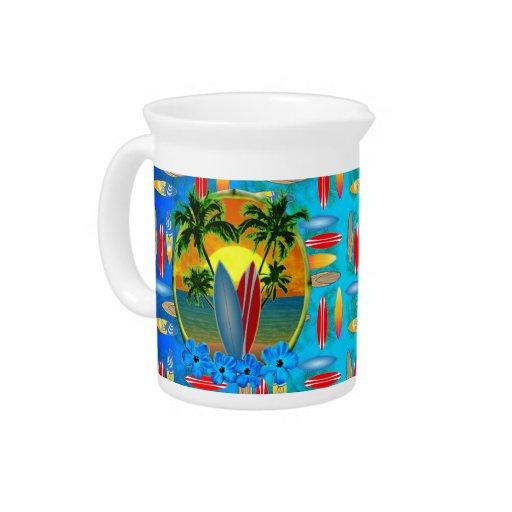 Puesta del sol y tablas hawaianas jarras
