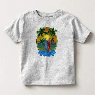 Puesta del sol y tablas hawaianas playera de bebé