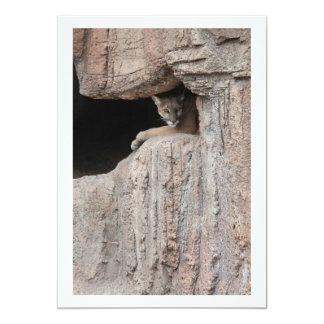 """Puesto de observación del león de montaña invitación 5"""" x 7"""""""