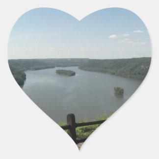 Puesto de observación del punto del pináculo pegatina en forma de corazón