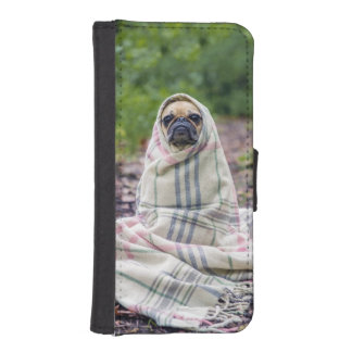 Pug in a Blanket iPhone SE/5/5s Wallet