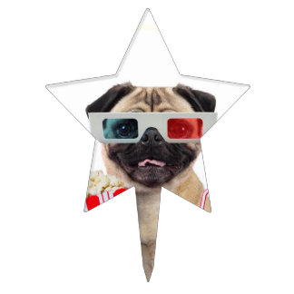 Pug watching a movie cake topper