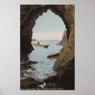 Puget Sound, WA - cueva en el engaño Póster