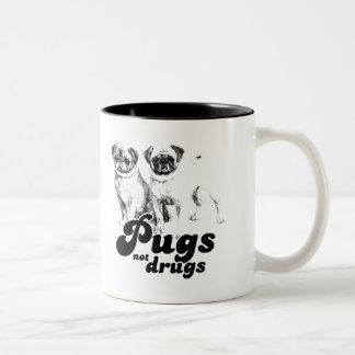 PUGS NOT DRUGS T-shirt Coffee Mug