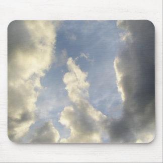 Pulgares-para arriba de las nubes alfombrilla de ratones