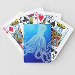 Pulpo gigante del vintage en el océano azul profun barajas de cartas