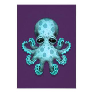 """Pulpo lindo del bebé azul en púrpura invitación 3.5"""" x 5"""""""