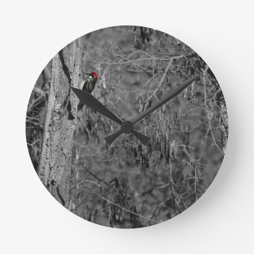 Pulsación de corriente roja reloj redondo mediano
