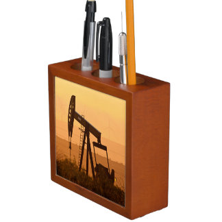 Pump Jack Pumping Oil In West Texas, USA Pencil/Pen Holder