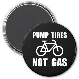 Pump Tires 3 Inch Round Magnet