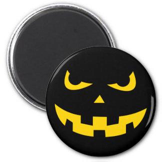 Pumpkin head magnet