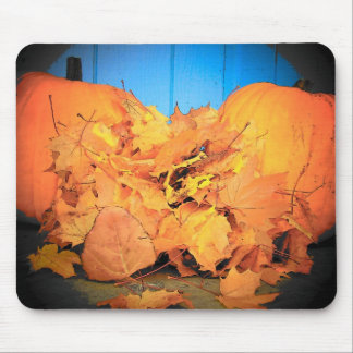 Pumpkins and leaves mouse pad
