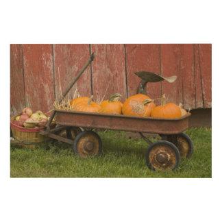 Pumpkins in old wagon wood print