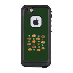 Pumpkins with Leaves Apple iPhone SE/5/5s Case