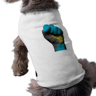 Puño apretado aumentado con la bandera de Bahamas Playera Sin Mangas Para Perro