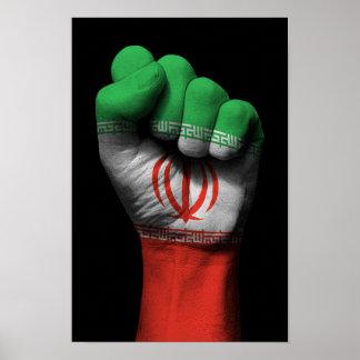 Puño apretado aumentado con la bandera iraní póster