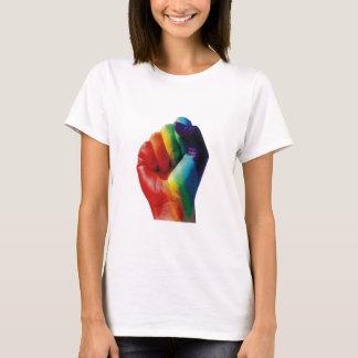 Puño del arco iris playera