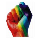 Puño del arco iris postales