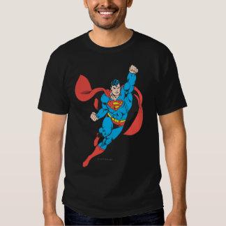 Puño derecho del superhombre aumentado poleras