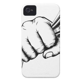 Puño que lleva a cabo concepto del dinero carcasa para iPhone 4 de Case-Mate