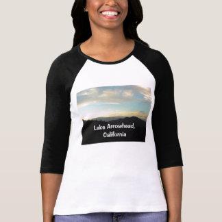 Punta de flecha del lago, camisa de California