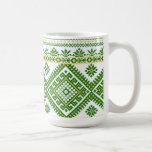Puntada cruzada ucraniana verde clásica de la taza