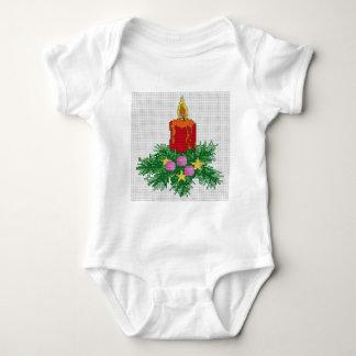 Puntada de la cruz de la vela del navidad body para bebé