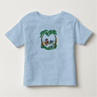 Puntada de Lilo y de Lilo de la puntada en una Tshirt