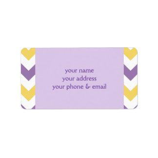 Puntadas cones monograma amarillas púrpuras del cí etiquetas de dirección