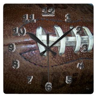 Puntadas del fútbol reloj cuadrado