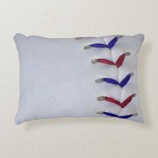 Puntadas rojas y azules del béisbol/del softball cojín decorativo